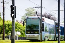 <p>De strenge korona-tiltakene har ført til store inntektstap for de fylkeskommunale kollektivtrafikkselskapene. Foto: Jon Olav Nesvold/NTB scanpix</p>