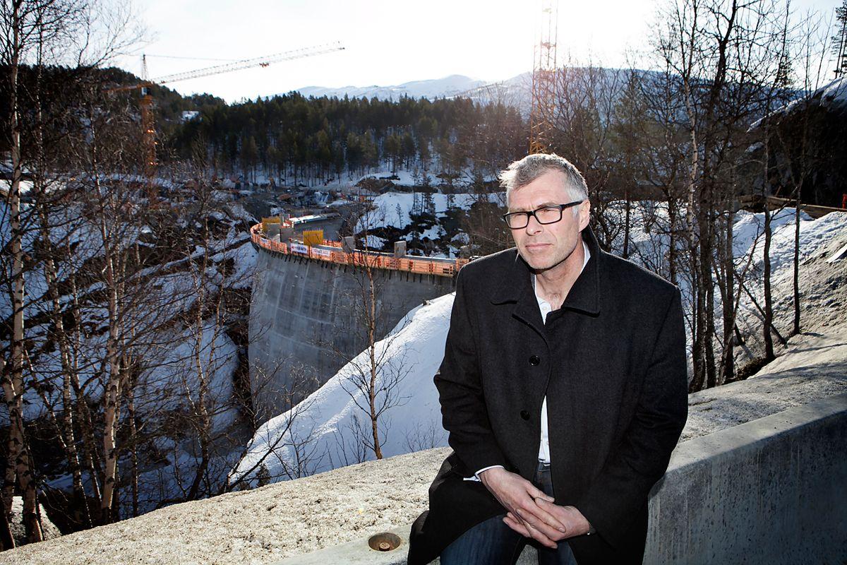 Ordfører Jon Rolf Næss (Ap) har sammen med kommunestyret valgt å anmelde lekkasjen av en varslingsrapport til politiet.