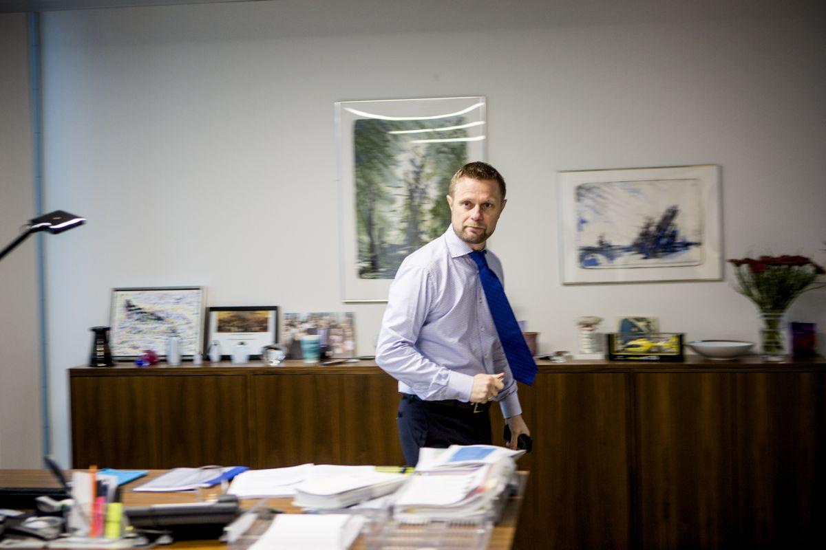 – Vi kan ikke bare telle sengeplasser, sier helseminister Bent Høie (H), som mener kommunene og helseforetakene må samarbeide bedre om personer som sliter med rus og psykiske problemer. Foto: Magnus Knutsen Bjørke