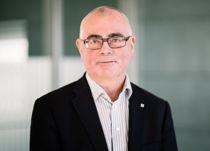 <p>Trond Skotvold er blant de åpne søkerne til kommunedirektørjobben i Kåfjord. Siden 2016 har den tidligere regiondirektøren i NHO vært enhetsleder i Kåfjord kommune.</p>