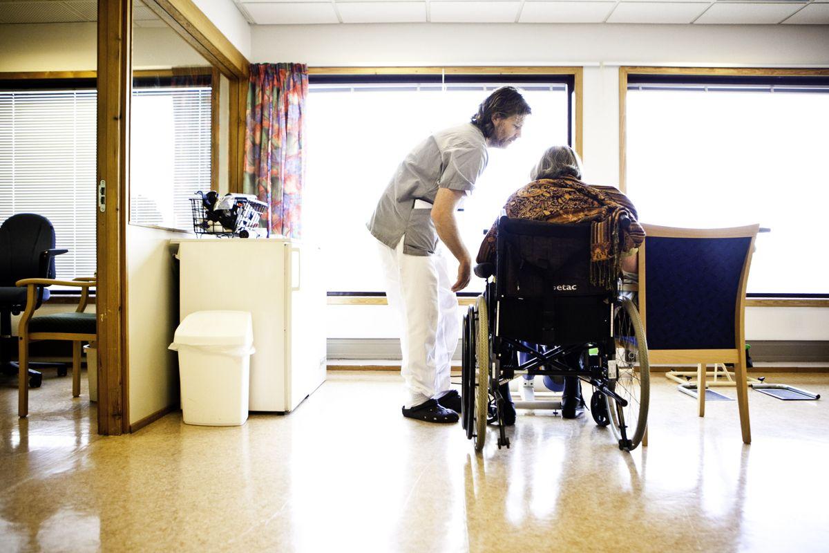 Kommunehelsetjenesten bør bli lovpålagt å forske, mener en strategigruppe nedsatt av Helsedepartementet. Illustrasjonsfoto: Magnus K. Bjørke