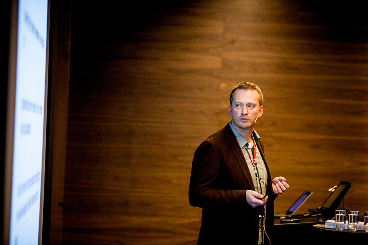 I tillegg til økt kompetanse må kommunene avklare hvem som gjør hva når ny teknologi kommer, mener daglig leder Arvid Bakken i Trygghetssentralen. Foto: Magnus Knutsen Bjørke.