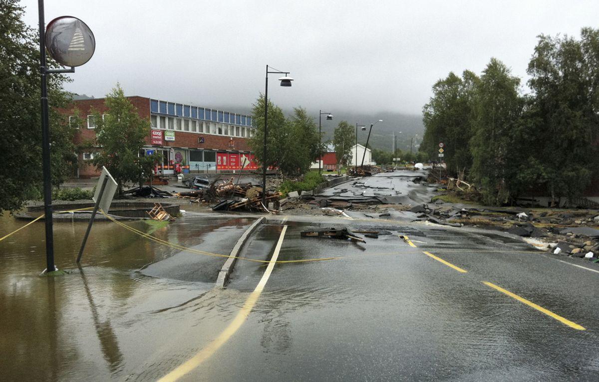Slik så det ut i Ålen 16. august i fjor. Kommunene må ha planer for alle tenkelige hendelser som kan ramme, fra flom og trafikkuhell til store pandemier. Foto: Per Magne Moan / Scanpix