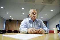 <p>Jan Davidsen i Pensjonistforbundet har sendt brev til KS og regjeringen og spurt om lovligheten i at eldre ikke har blitt tatt med på råd under koronaepidemien.</p>