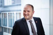 Samferdselsminister Jon Georg Dale (Frp) vil høre fra kommuner som tar trafikksikkerhet på alvor. Foto: Torbjørn Tandberg
