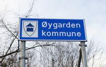 Det nye skiltet til den nye Øygarden kommune. Illustrasjonsfoto: Marit Hommedal, NTB scanpix