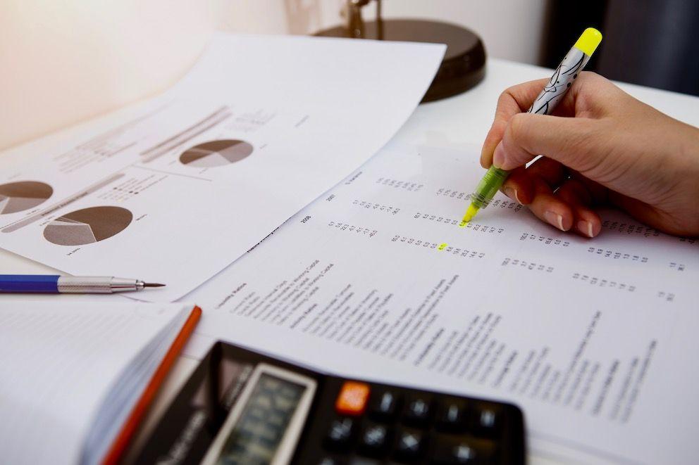 Våre undersøkelser viser at kommunal økonomisk bærekraft ikke løses med matematikk eller regnskapsanalyser alene, skriver Magne Arild Damsgård. Illustrasjonsfoto: Colourbox
