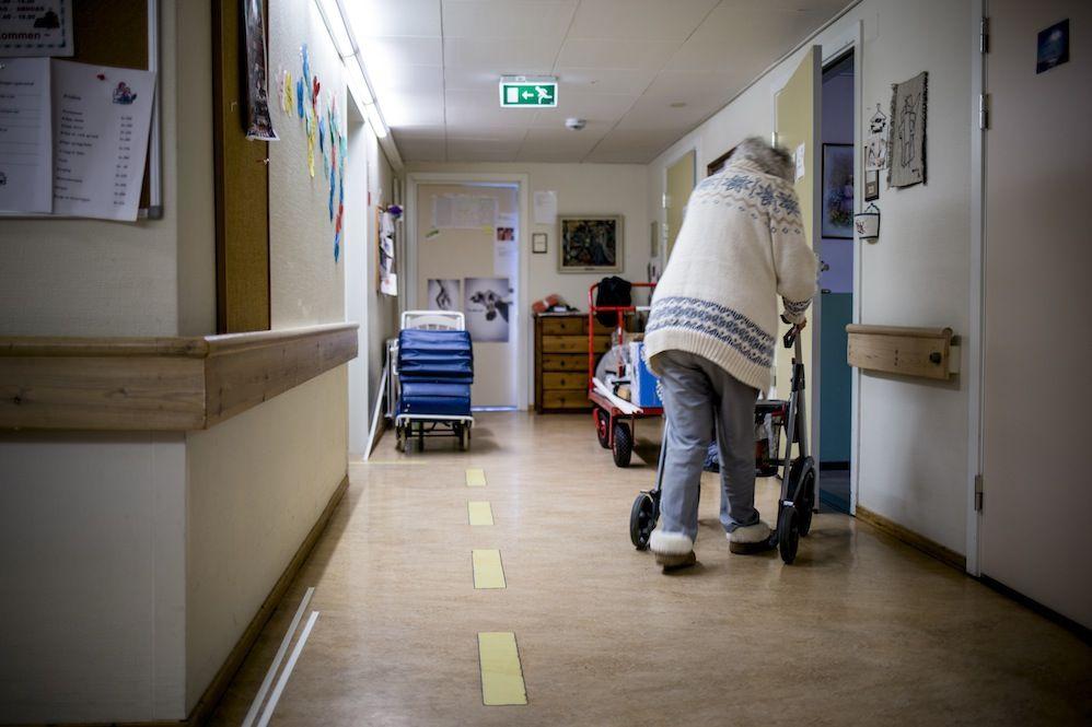 Sterke pårørende og god økonomi i kommunen kan være avgjørende for om du får en langtidsplass på sykehjem, viser forskning.