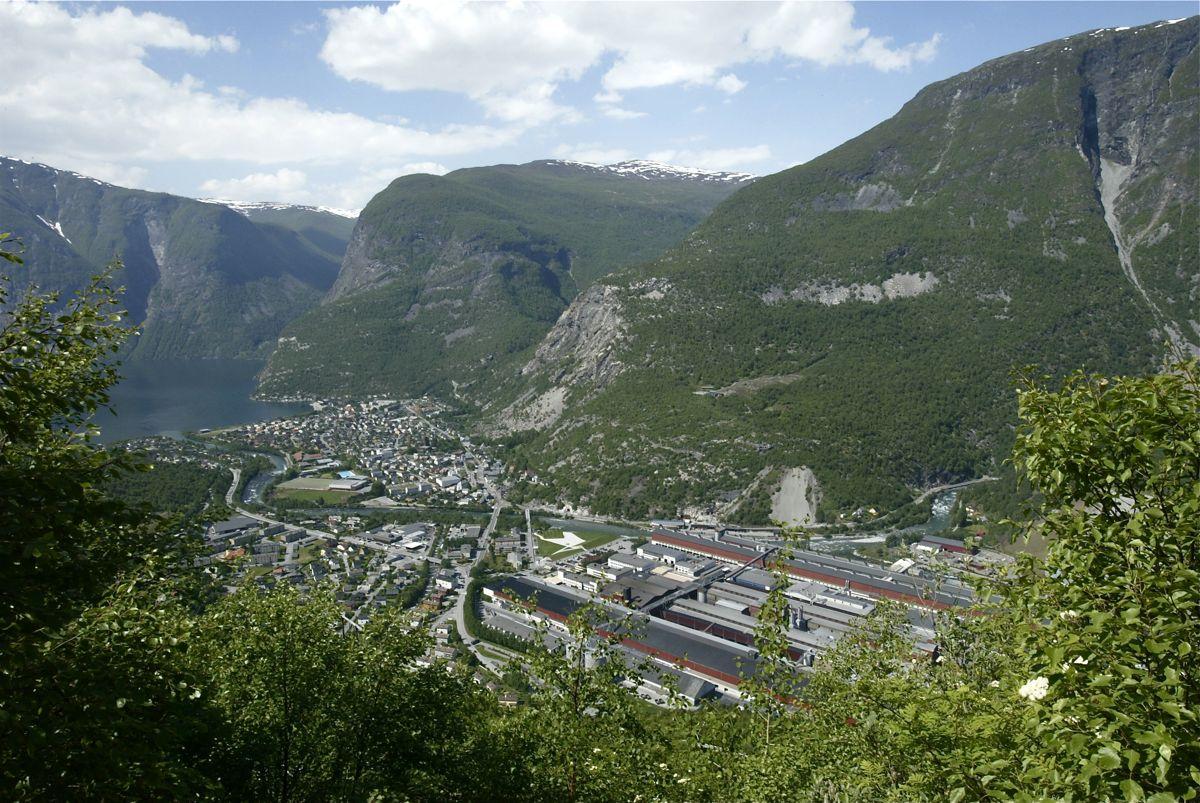 Industrikommunen innerst i Sognefjorden har en lang tradisjon som Aps absolutte høyborg. Så sent som i 2009 fikk partiet over 70 prosent av stemmene i Årdal.
