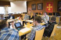<p>Flere bør la formannskapet innstille til kommunestyret, for å avpolitisere kommunedirektørens rolle. Bildet er fra Verdal i 2017.</p>