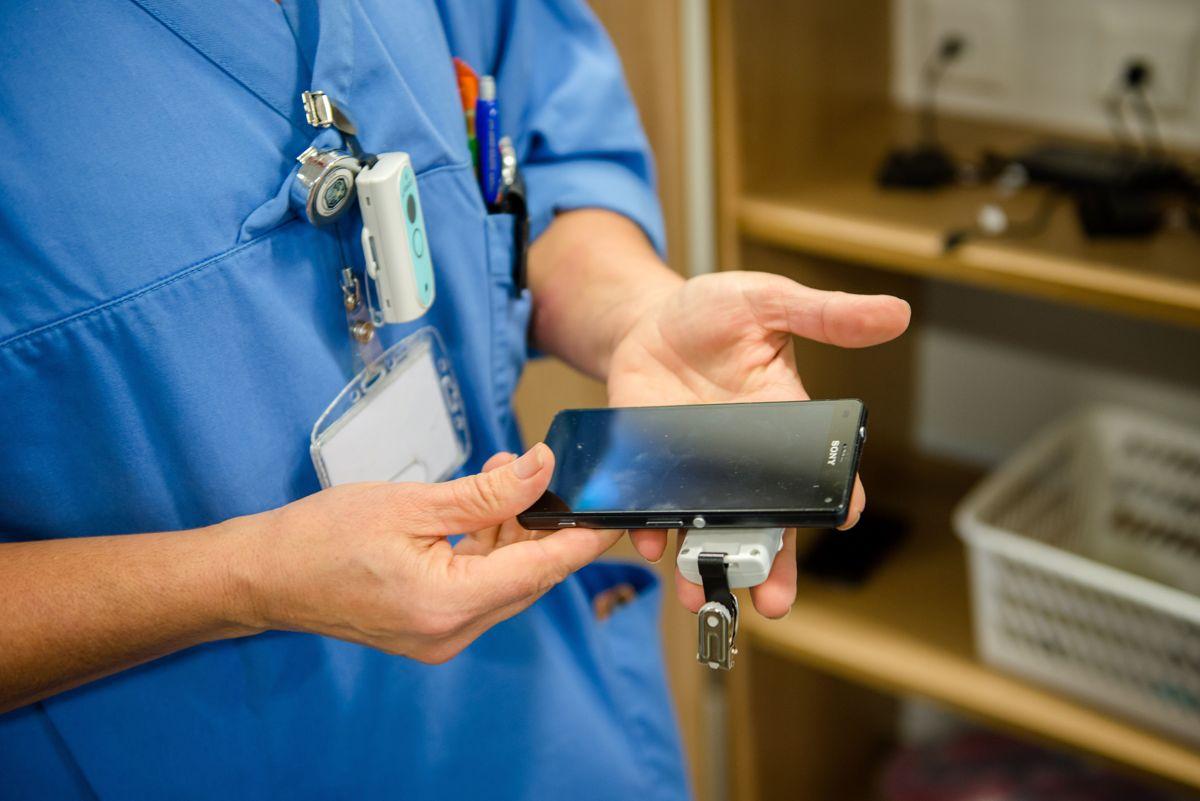 Svikt fra Helsedepartementet og Direktoratet for e-helse har ført til at helsepersonell og pasienter ikke har helseinformasjon når de trenger det, mener Riksrevisjonen.