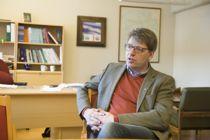<p>Ordfører Ola Tore Dokken (Sp) og resten av kommunestyret i Nordre Land er enige med Esther Gilen om innholdet i sluttavtalen.</p>