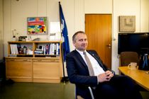 <p>Mandal og kommunens siste ordfører Alf Erik Andersen (Frp) topper fortsatt Kommunebarometeret 2020, men åtte nye kommuner har gått inn blant de 30 beste.</p>