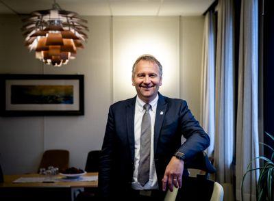 Alf Erik Andersen (Frp) var Mandal kommunes siste ordfører, og nå kan han juble over at kommunen vant Kommunebarometeret i 2020.