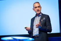 <p>Arbeidslivsdirektør Tor Arne Gangsø i KS pekte på et enormt behov for medarbeidere innen pleie- og omsorgssektoren i årene som kommer hvis vi ikke klarer tenke nytt rundt måten vi håndterer dette på.</p>