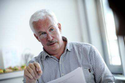 Som tidligere ordfører i Åmot ble Ole Gustav Narud bedt om å besvare en spørreundersøkelse om tidligere rådmanns avgang. Han er sterkt kritisk.