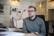 <p>Eirik Losnegaard Mevik (Ap) tror kommunestyret i Kvænangen vil være fleksible den dagen ansettelsesutvalget har funnet rette kandidat for stillingen som kommunedirektør.</p>