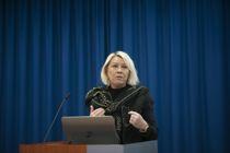 <p>I statsråd fredag vil regjeringen be om å få bruke loven igjen på en rekke nye felt, sier justis- og beredskapsminister Monica Mæland (H) til NTB.</p>