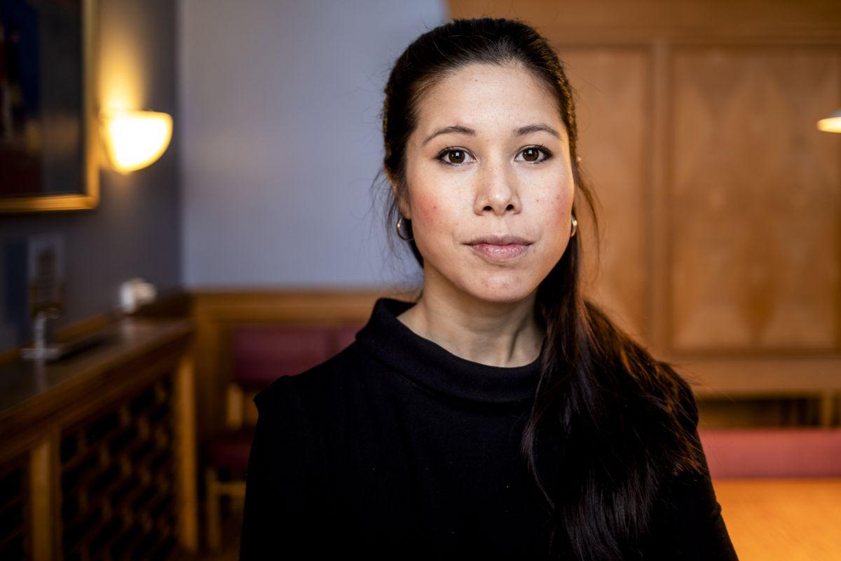 Frp har fremmet et mistillitsforslag mot Berg fordi de mener hun brøt informasjonsplikten ved å ikke informere bystyret om kostnadsoverskridelser i arbeidet med Oslos nye vannforsyning på et tidligere tidspunkt.