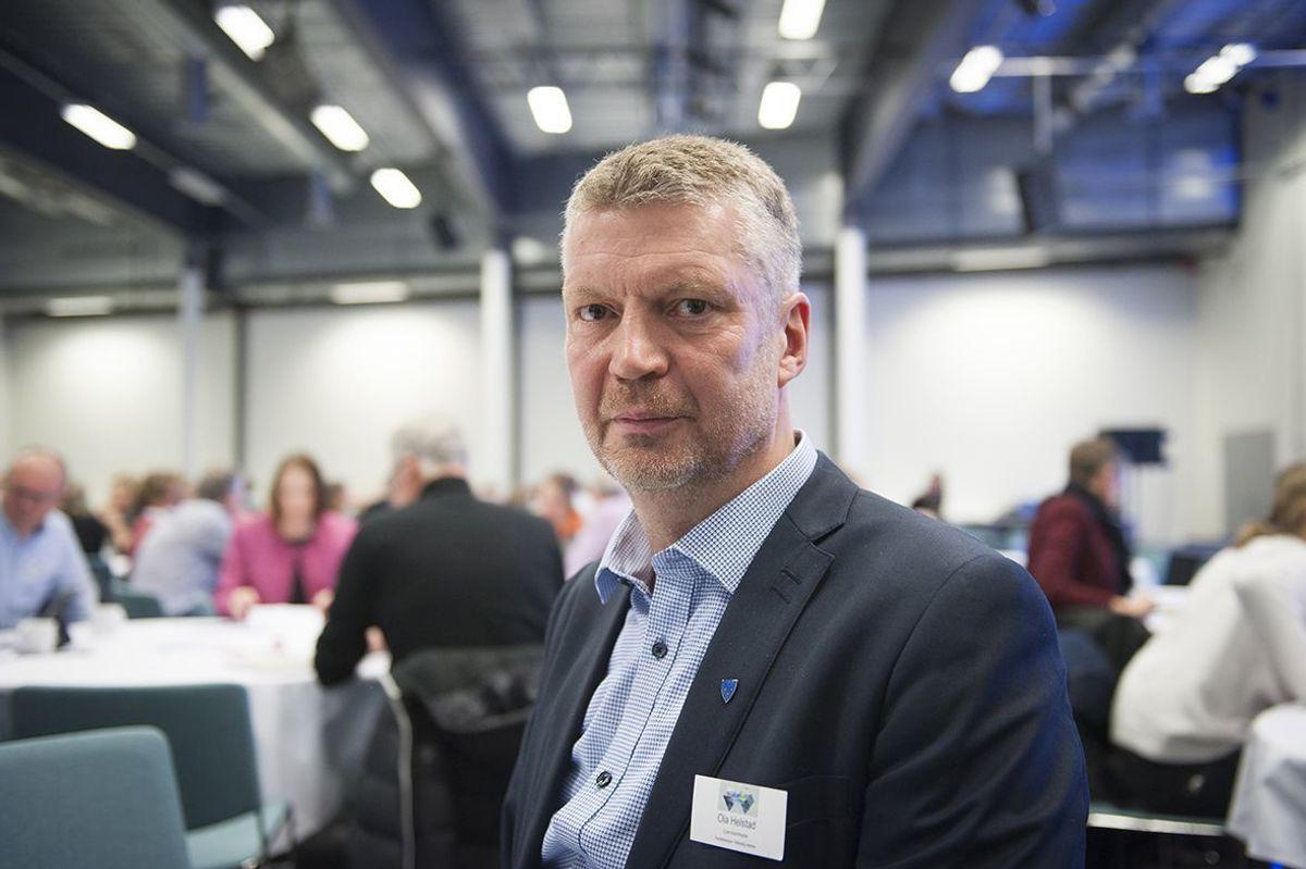 Ola Helstad sluttet i Lom etter 28 år for å bli kommunedirektør i Sel. Etter litt over ett år har han byttet beite til Nordre Land kommune.