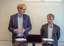 <p>Spesialrådgiver Sigmund Engdal (t.v.) og avdelingsdirektør Rune Bye i KS la denne uka fram Regnskapsundersøkelsen 2019.</p>