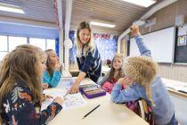 <p>Flere norske kommuner ligger nå foran statlige myndigheter og stenger skoler og barnehager for å begrense smittespredning, påpeker Jan Inge Krossli.</p>