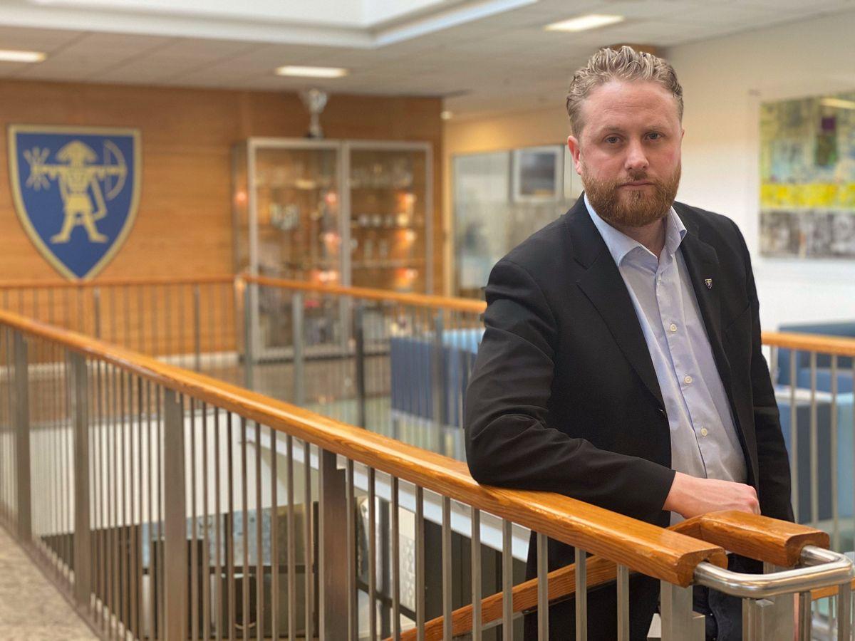– Vi vet at vi snakker om tusenvis av permitteringer, og det bekymrer oss veldig, sier ordfører Eyvind Jørgensen Schumacher (Ap) i Ullensaker. Foto: Ullensaker kommune