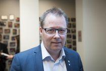<p>KS-leder Bjørn Arild Gram styrer KS fra hjemmekontor på Steinkjer. Både hovedstyremøter og møter med regjeringen avholdes digitalt.</p>