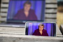 <p>Koronakrisen har tydelig vist at det er tid for å bruke digitale løsninger, mener Kommunal Rapport. Her holder statsminister Erna Solberg nettmøte og svarer på spørsmål om koronasmitten og tiltakene som er satt i verk i Norge.</p>