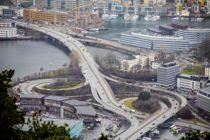 <p>Veitrafikken er på landsbasis redusert med 40 prosent siden 13. mars, ifølge Norsk institutt for luftforskning (NILU). Bildet er fra Bergen i januar, da trafikken ennå gikk som normalt.</p>