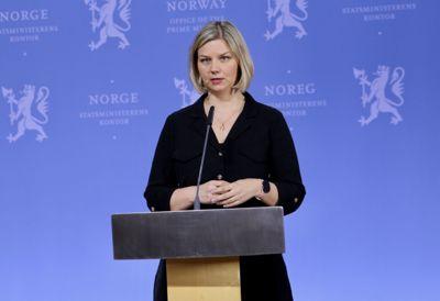 Kunnskaps- og integreringsminister Guri Melby (V) mener det nye tolkeregisteretkan bidra til at hele befolkningen får bedre informasjon om koronaviruset.