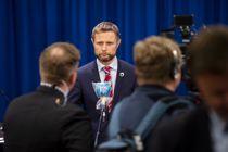 <p>Helse- og omsorgsminister Bent Høie (H) la søndag klokken 18 fram en ny veileder for kommunene om lokale karanteneregler.</p>