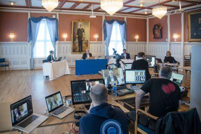 Som de fleste andre kommuner måtte Risør gjennomføre digitale kommunestyremøter etter at koronakrisen krevde strenge smitteverntiltak fra mars.