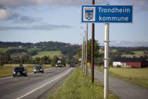 <p>Det er nødvendig med statlig bistand, men også at kommunen selv tilpasser seg en situasjon med vesentlige endrede økonomiske rammebetingelser, sier finansdirektør Olaf Løberg i Trondheim kommune.</p>