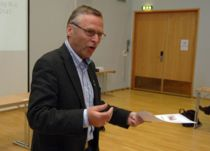 <p>Frode Revhaug (H), ordfører i Frosta. Her fotografert i fylkestinget.</p>
