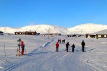 <p>Hytteforbudet er opphevet, og det er ikke lenger forbudt å overnatte på hytta for å gå på ski mot Hallingskarvet.</p>