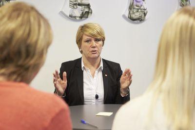 Nordland fylkeskommune praktiserer inntaksområder for videregående skoler, men fylkesordfører Hild-Marit Olsen (Ap) frykter likevel at de må si adjø til sin modell etter regjeringens beskjed om karakterbasert opptak.