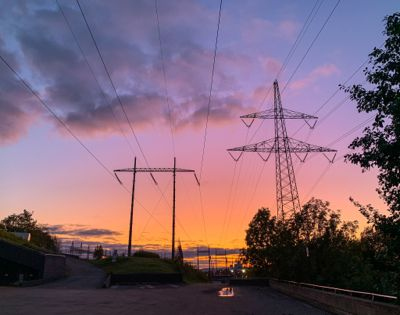 Elavgiften er i praksis skatt på fornybar kraft, mener Samfunnsbedriftene Energi. Lavere elavgift bør kunne kompenseres med økte avgifter på forurensende forbruk, foreslår organisasjonen.