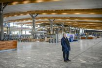 <p>Flytransport er en næring hvor aktiviteten ikke skal øke noe særlig så lenge det er reiserestriksjoner. Det merker Nannestad-ordfører Hans Thue (Ap). Oslo lufthavn ligger på grensen mellom Nannestad og Ullensaker.</p>