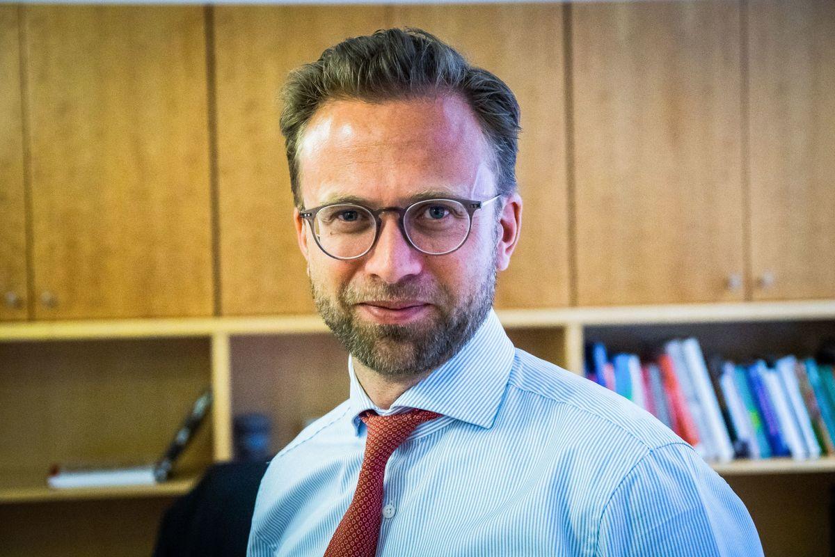 – Det er ingen kommune som er i en akutt økonomisk krise på grunn av koronapandemien etter regjeringens kompensasjonsforslag, mener kommunal- og moderningsminister Nikolai Astrup (H).