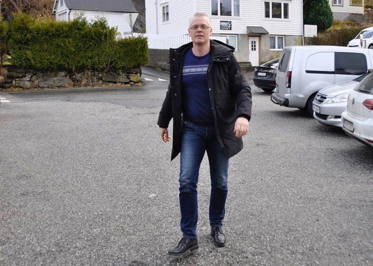 Ordførar Knut Harald Frøland (Bygdalista) har bedt Advokatfirmaet Elden om å vurdere om det er grunnlag for erstatningskrav mot tidlegare tilsette i barnevernet.