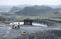 <p>Her ser vi ett av fundamentene til en av vindturbinene i Vardafjellet vindkraftverk slik det så ut i desember i fjor.</p>