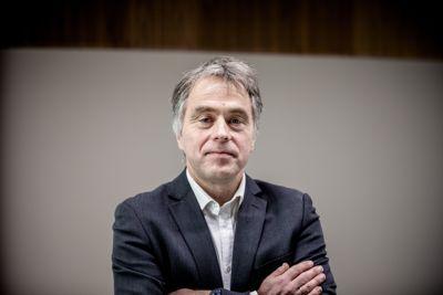 – Det aller viktigste tiltaket for å redusere faren for smitte er ikke de geografiske fordelingsprinsippene for vaksinedosene, men å følge de grunnleggende smittevernrådene, sier KS-direktør Helge Eide.