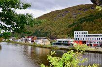 <p>Førde sentrum, med det nye rådhuset som Trond Ueland nemner som ei av årsakene til den vellykka samanslåinga til Sunnfjord kommune.</p>
