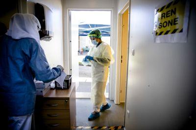 Legestreiken kunne ikke fortsette når legevakter risikerte å bli stengt midt i en pandemi. Legevakter har en viktig rolle i å teste for covid-19.