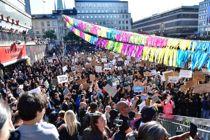 <p>Demonstranter samlet seg i Stockholm onsdag kveld.</p>