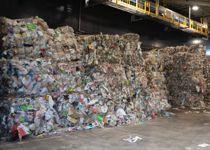 <p>Store plastberg hoper seg opp og gjenvinningen reduseres – stikk i strid med både innbyggernes og politikernes ønsker, skriver Svein Kamfjord.</p>