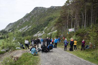 Det har vært demonstrasjoner mot utbygging av vindkraft en rekke steder i landet den siste tiden, her fra Haramsøya på Sunnmøre i mai.
