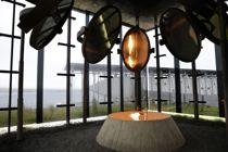 <p>Steilneset minnested er et minnesmerke over ofrene for overgrepene under heksebrenningene i Vardø. Monumentet er reist på det stedet hvor hekseofringene skjedde, Steilneset på Vardøya.</p>