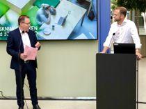 <p>Styreleder Bjørn Arild Gram (Sp) advarer kommunal- og moderniseringsminister Nikolai Astrup (H) mot å lage et system på siden av Nasjonalt program for leverandørutvikling, som KS har utviklet sammen med NHO.</p>